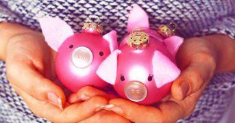 Делаем елочное украшение в виде символа 2019 года - свиньи своими руками