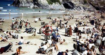 Путешественника во времени обнаружили на фото 1943 года